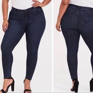 Torrid dark wash bombshell skinny jeans size 20